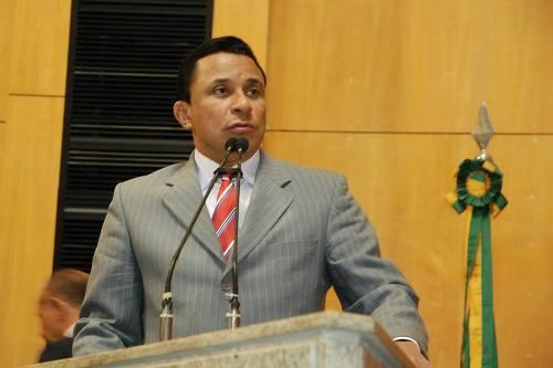 Pastor Marcos Mansur, pela força do PSDB, é um nome forte para 2016