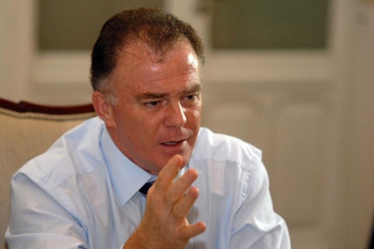 ex-governador-renato-casagrande-psb-debate-a-crise-em-brasilia-e-no-ceara_620_