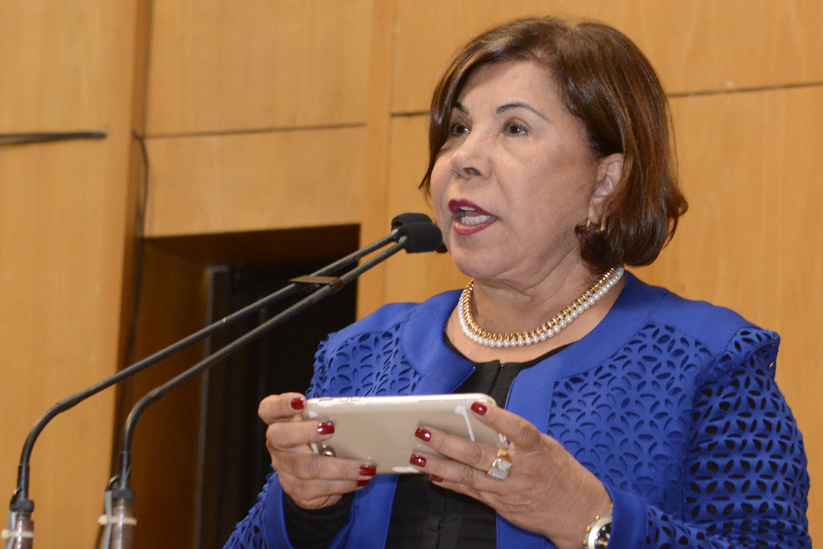 Deputada_Luzia_Toledo_-_Sessão_Ordinária_-_25.09.2017_(36607130404)